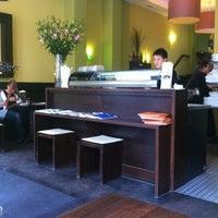 Das Foto wurde bei Mikoto Sushi von Hampton C. am 9/10/2011 aufgenommen
