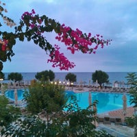 Photo taken at Creta Maris Beach Resort by Remo H. on 10/17/2011