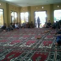 Photo taken at Mesjid raudhatul irfan by Bambang P. on 9/2/2012