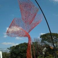 Foto tirada no(a) Museu Brasileiro da Escultura (MuBE) por Renato F. em 8/26/2012