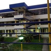 Photo taken at Universidad Fidélitas by Gustavo G. on 7/26/2012