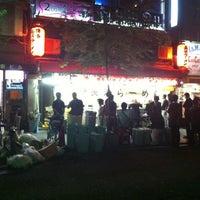 Photo taken at 博多長浜ラーメン みよし by Wasaku S. on 7/21/2012