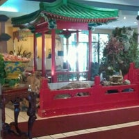 Photo taken at Mandarin House by Vincent H. on 8/29/2011