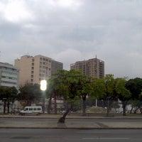 Foto tirada no(a) Praça da Bandeira por Richard G. em 10/11/2011
