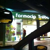 Photo taken at Farmacia Trébol España by Mario C. on 10/16/2011