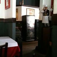 Foto tirada no(a) Restaurante Spaghetto por Jackline F. em 9/29/2011