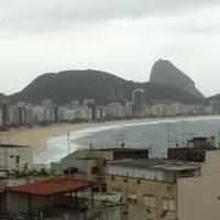 Das Foto wurde bei Copacabana Rio Hotel von Sidnei P. am 9/4/2012 aufgenommen