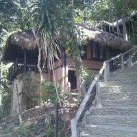 Photo taken at Moonlight Bay Resort Koh Lanta by amasamas on 2/25/2011