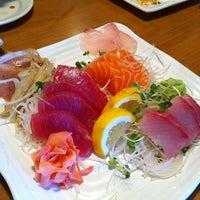 Photo taken at Gin Sushi by Zozo on 6/12/2011