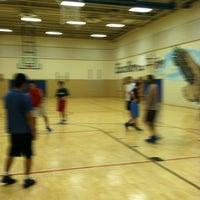 4/17/2012 tarihinde Velan T.ziyaretçi tarafından Thoreau Middle School'de çekilen fotoğraf