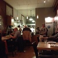 Foto scattata a Gialina Pizzeria da Shezaad Z. il 3/11/2012
