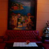 Photo taken at Kanmanee Palace Hotel by Rabbit J. on 11/24/2011
