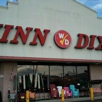 Photo taken at Winn-Dixie by Zach R. on 8/31/2011
