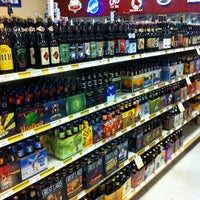 Снимок сделан в Binny's Beverage Depot пользователем Bob M. 9/16/2011