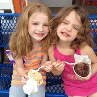 Photo taken at Ralph's Famous Italian Ices by Tara L. on 5/26/2012