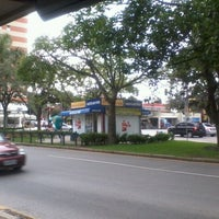 Photo taken at Praça Miguel Couto (Pracinha do Batel) by Edson T. on 2/2/2011