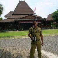 Photo taken at Kantor Gubernur Jawa Barat by Gienandjar S. on 9/16/2011