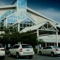 Foto scattata a The Galleria da Ashley B. il 9/10/2011