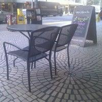 2/16/2012にRichard W.がPeet's Coffee & Teaで撮った写真