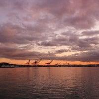 Das Foto wurde bei Piers 62/63 von William T. am 12/3/2011 aufgenommen