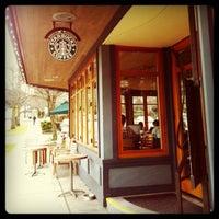 3/6/2011 tarihinde Kate K.ziyaretçi tarafından Starbucks'de çekilen fotoğraf