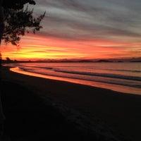 Foto tirada no(a) Praia de Manguinhos por Keila M. em 7/12/2012
