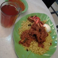 Photo taken at Restoran Kapitan Penang by Fairozee H. on 2/9/2012