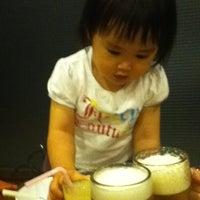 Photo taken at 百楽門 元山店 by Hideya H. on 6/4/2012
