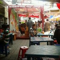 Photo taken at Kampoeng Semawis by Agustinus Wahyu on 1/22/2012