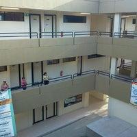Foto tomada en Facultad de Pedagogía e Innovación Educativa UABC por Mario Z. el 8/17/2011