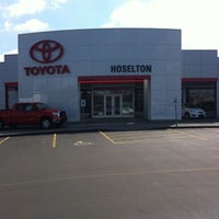Photo taken at Hoselton Auto Mall by Michael on 4/7/2011