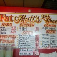 Foto scattata a Fat Matt's Rib Shack da Dave G. il 2/29/2012