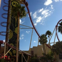 Photo taken at Hollywood Rip Ride Rockit by Cheryl P. on 5/15/2011