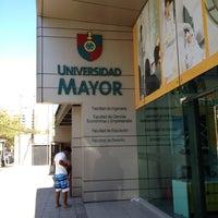 Foto tomada en Universidad Mayor Campus Manuel Montt por Irina T. el 3/7/2012