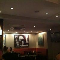 Foto tirada no(a) Medit Restaurante por Adriana M. em 11/2/2011