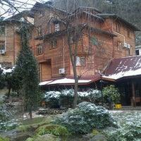 Das Foto wurde bei Yazıcılar Otel & Restaurant von A. O. am 1/16/2012 aufgenommen