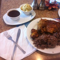 Foto tomada en Maracas Latin Restaurant por Jason B. el 1/12/2012
