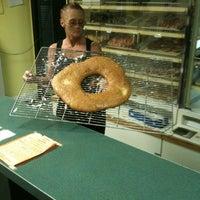 Foto tomada en Big Donut por Keith J. el 7/28/2011