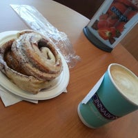 Photo taken at Cinnabon by aSTRO1ooo on 9/9/2012