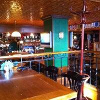 Снимок сделан в Mollie's Irish Pub пользователем Vova S. 5/7/2012