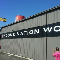 Photo taken at Rogue Ales Brewer's on the Bay by Mary V. on 9/25/2011