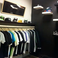 Foto tirada no(a) BP Shop por Roland P. em 11/16/2011