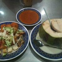 Photo taken at Nasi Kandar Pelita by Bryan C. on 3/7/2012