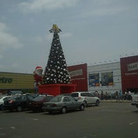 Photo taken at Plaza Lima Sur by Yvis on 12/23/2011