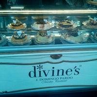 Photo taken at Divine's by Jordi V. on 7/9/2012