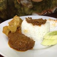 Photo taken at White Lotus Vegetarian Restaurant by Halim O. on 3/18/2012