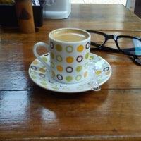 Foto diambil di Café Amigo oleh Wagner T. pada 1/5/2012