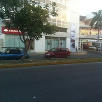 Photo taken at Plaza Hollywood by Arthuro L. on 9/6/2012
