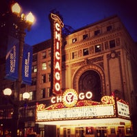 Foto tirada no(a) The Chicago Theatre por Brandon M. em 6/2/2012