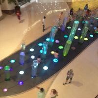 Das Foto wurde bei The Shops at Crystals von Jessica W. am 5/14/2012 aufgenommen